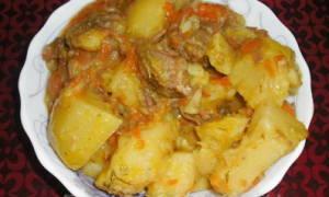 Тушеная картошка в мультиварке Поларис