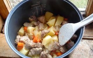 Вкусные советы насчет того, как приготовить тушеную картошку с мясом в мультиварках – лучшие рецепты