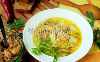 Суп с тушенкой в мультиварке