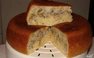 Пирог из рыбной консервы в мультиварке