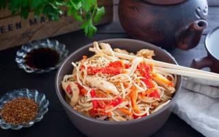Как приготовить рисовую лапшу с курицей