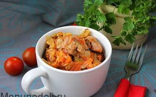 Как потушить капусту со свининой