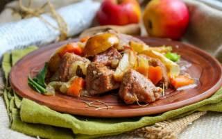 Как тушить мясо в духовке