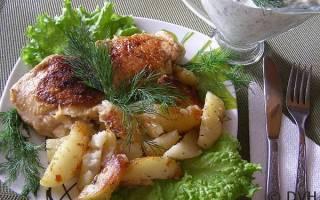 Картошка с куриными бедрами в мультиварке