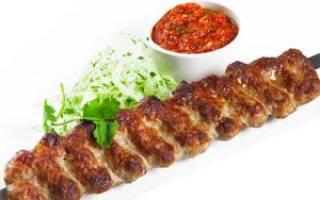Люля кебаб из говядины на мангале
