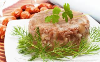 Как готовить холодец из свиных ножек