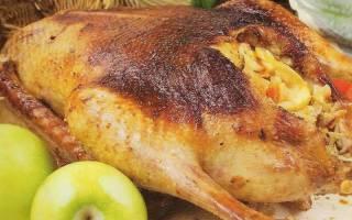 Как приготовить гуся в духовке целиком