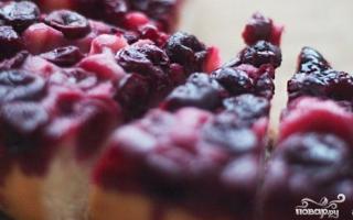 Очень легкие рецепты с фото приготовления пирога с вишней в мультиварках