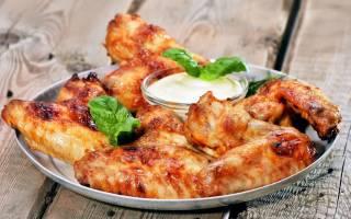 Как жарить кусочки курицы на сковороде