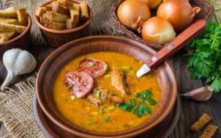 Гороховый суп с копчеными ребрышками в мультиварке