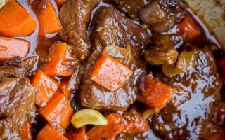 Как приготовить говяжьи ребрышки на сковороде