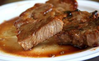Как приготовить свинину на косточке в духовке
