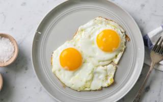 Яичница в мультиварке рецепт